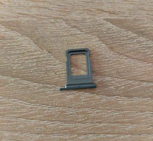 сим-държач-iphone-11-pro (1)