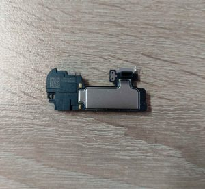слушалка-говорител-iphone-11-pro-max (2)